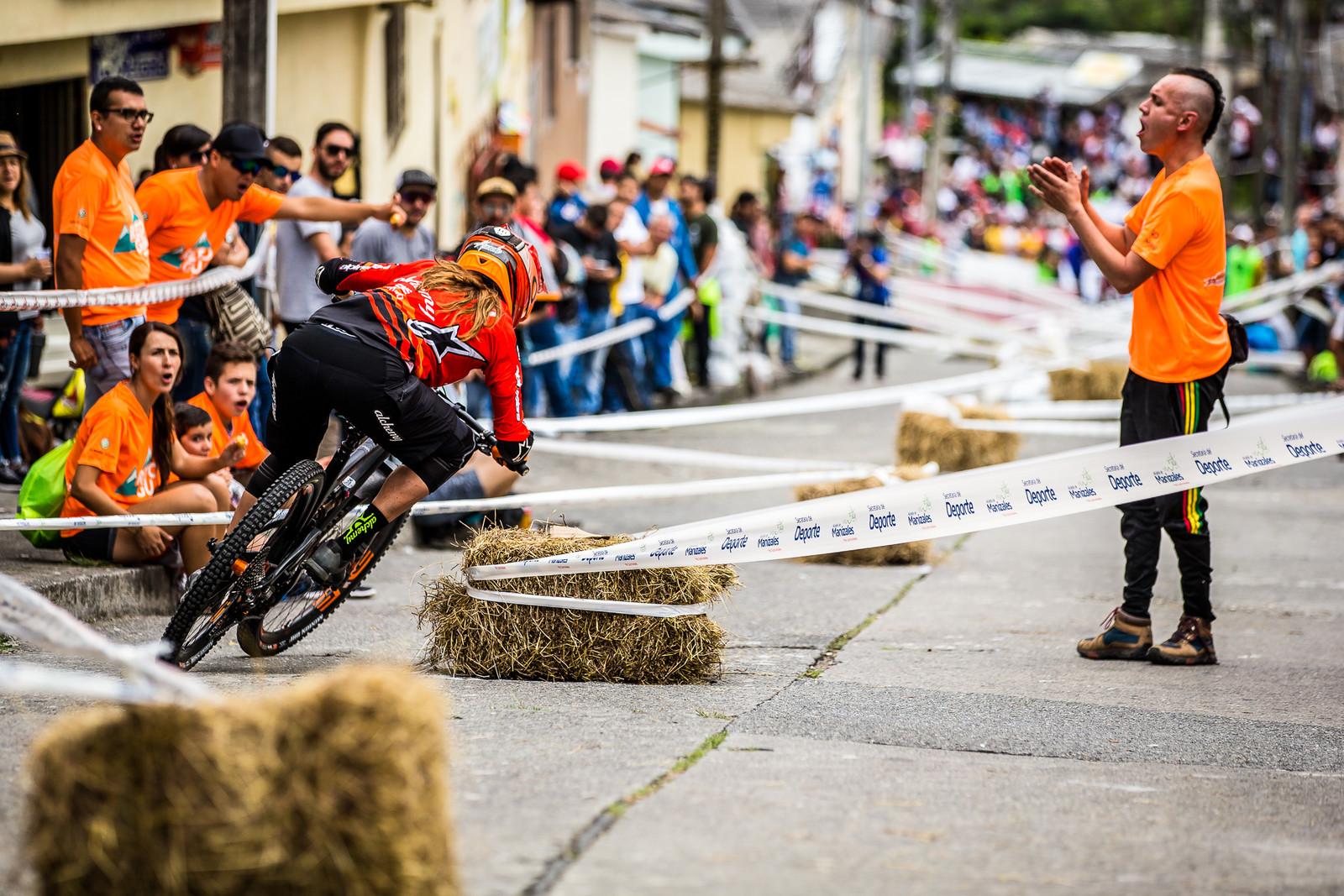 Anneke Beerten, 1st Place - URBAN ENDURO! EWS Colombia - Mountain Biking Pictures - Vital MTB