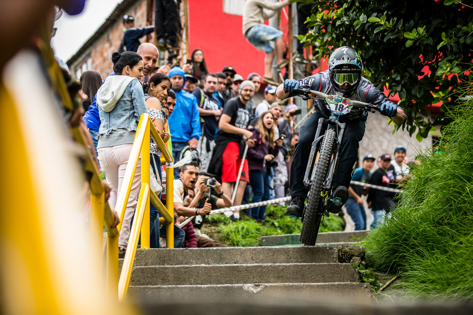 Graves Speed Tuck - URBAN ENDURO! EWS Colombia - Mountain Biking Pictures - Vital MTB