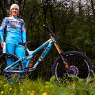 Rachel Atherton and Her Trek Session