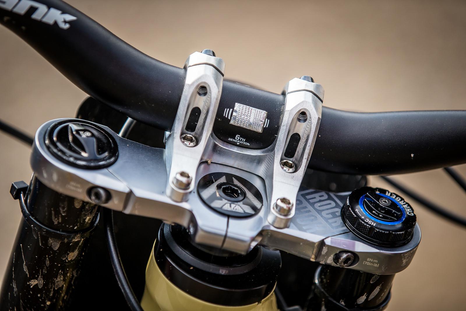 Those Anti-Vibration Thingies - WINNING BIKE - Amaury Pierron's Commencal Supreme DH 29 - Mountain Biking Pictures - Vital MTB