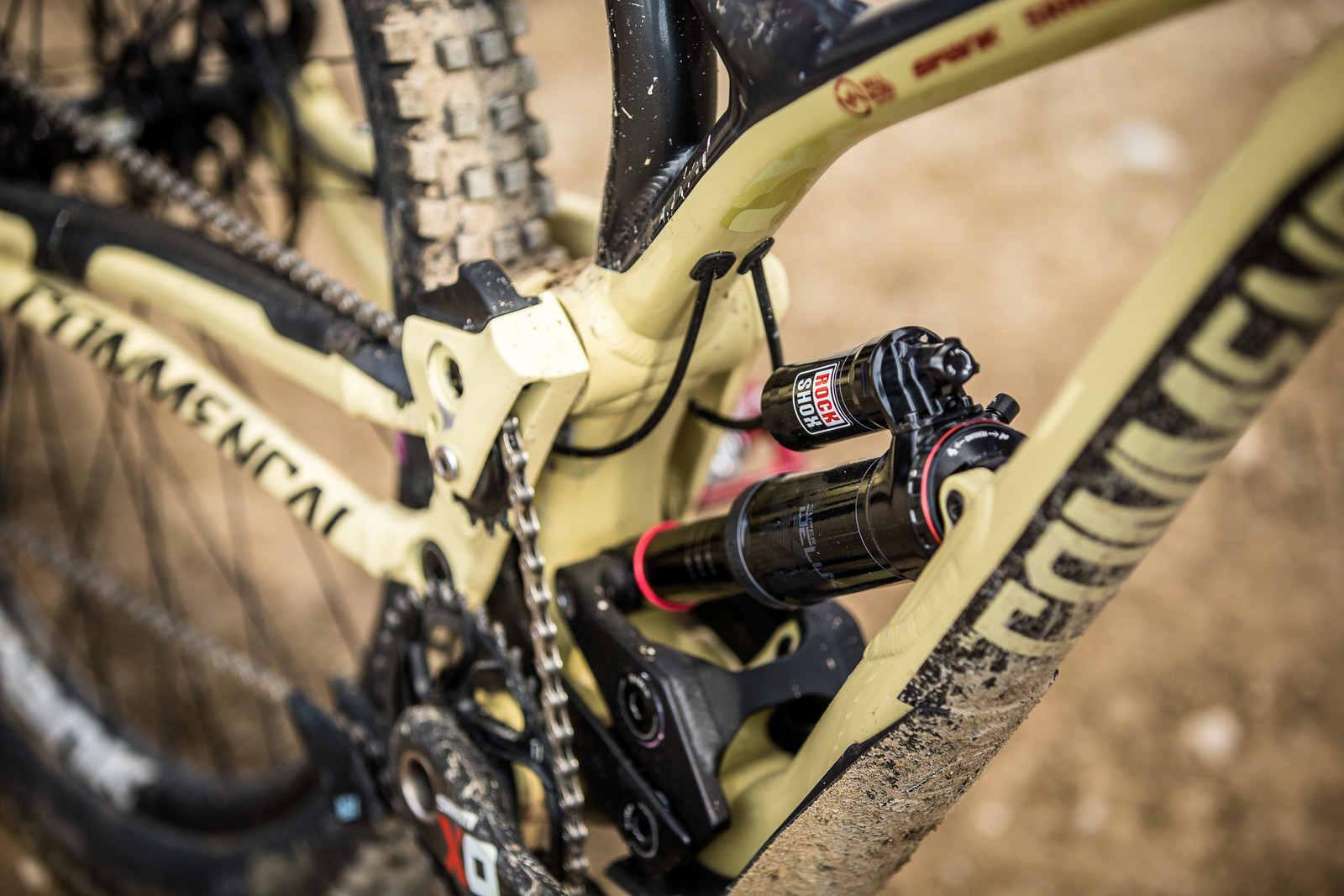 RockShox SuperDeluxe - WINNING BIKE - Amaury Pierron's Commencal Supreme DH 29 - Mountain Biking Pictures - Vital MTB