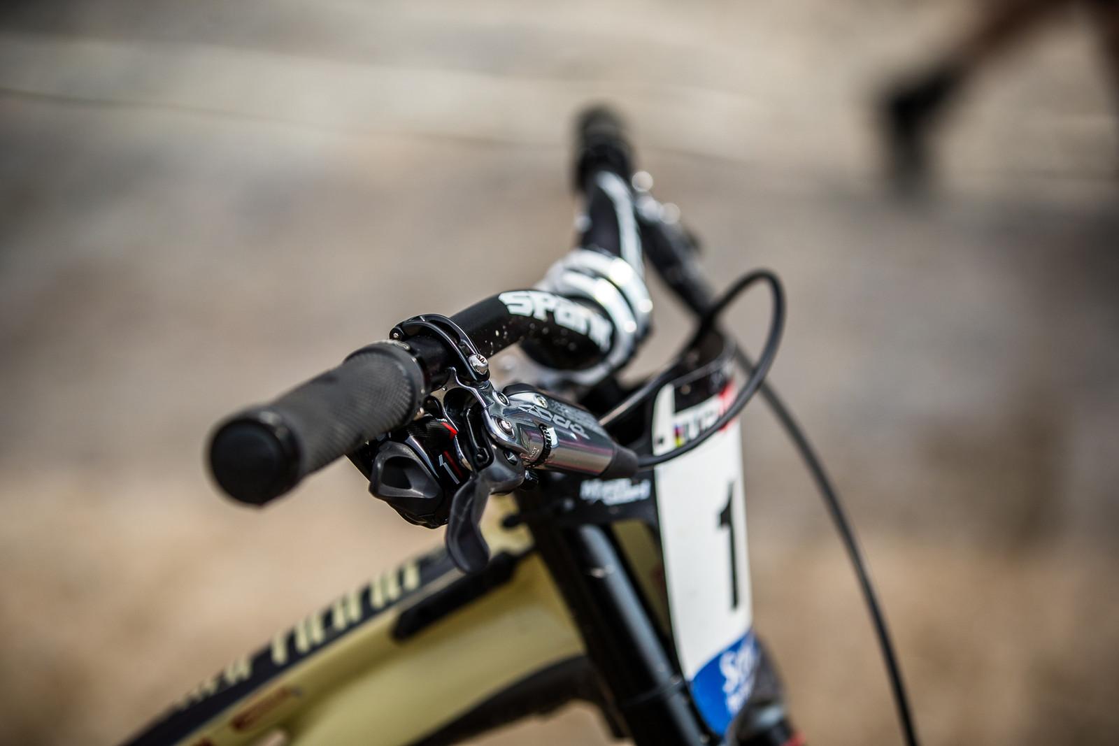 CODE Levers - WINNING BIKE - Amaury Pierron's Commencal Supreme DH 29 - Mountain Biking Pictures - Vital MTB