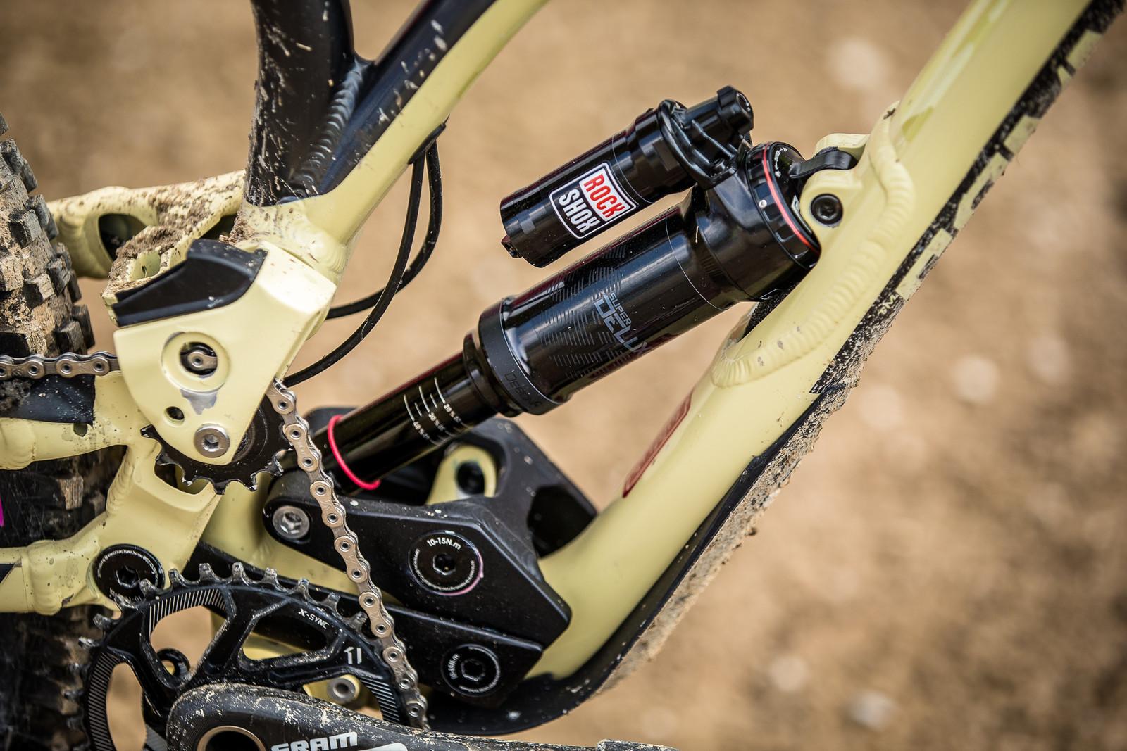 RockShox SuperDeluxe - WINNING BIKE - Amaury Pierron's Commencal Supreme DH 29 - Mountain Biking Pictures - Vital MTB