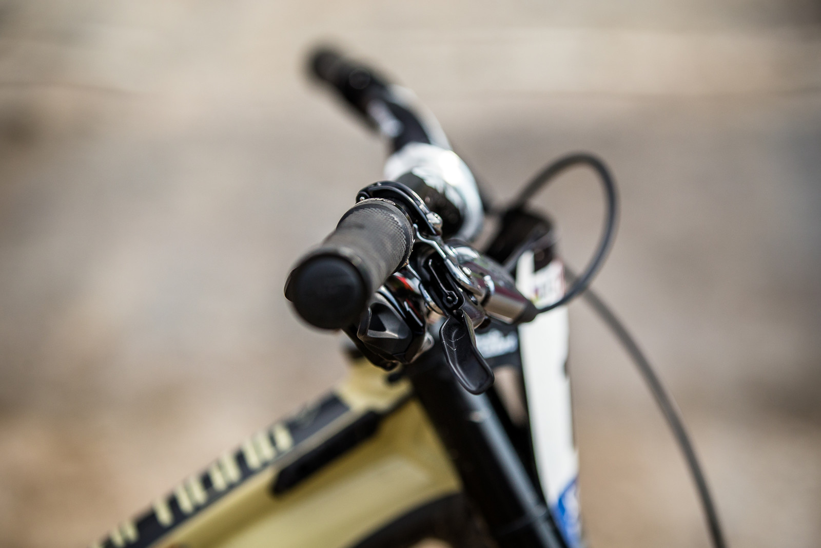 Steeper Levers Than Most? - WINNING BIKE - Amaury Pierron's Commencal Supreme DH 29 - Mountain Biking Pictures - Vital MTB