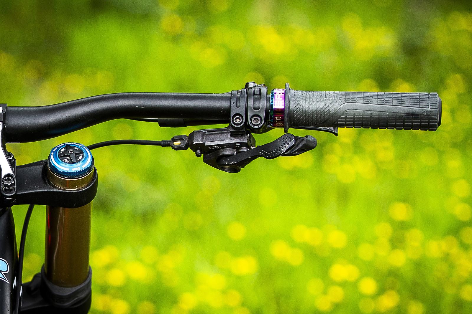 Ergon Grips - WINNING BIKE - Tahnee Seagrave's Transition TR11 - Mountain Biking Pictures - Vital MTB