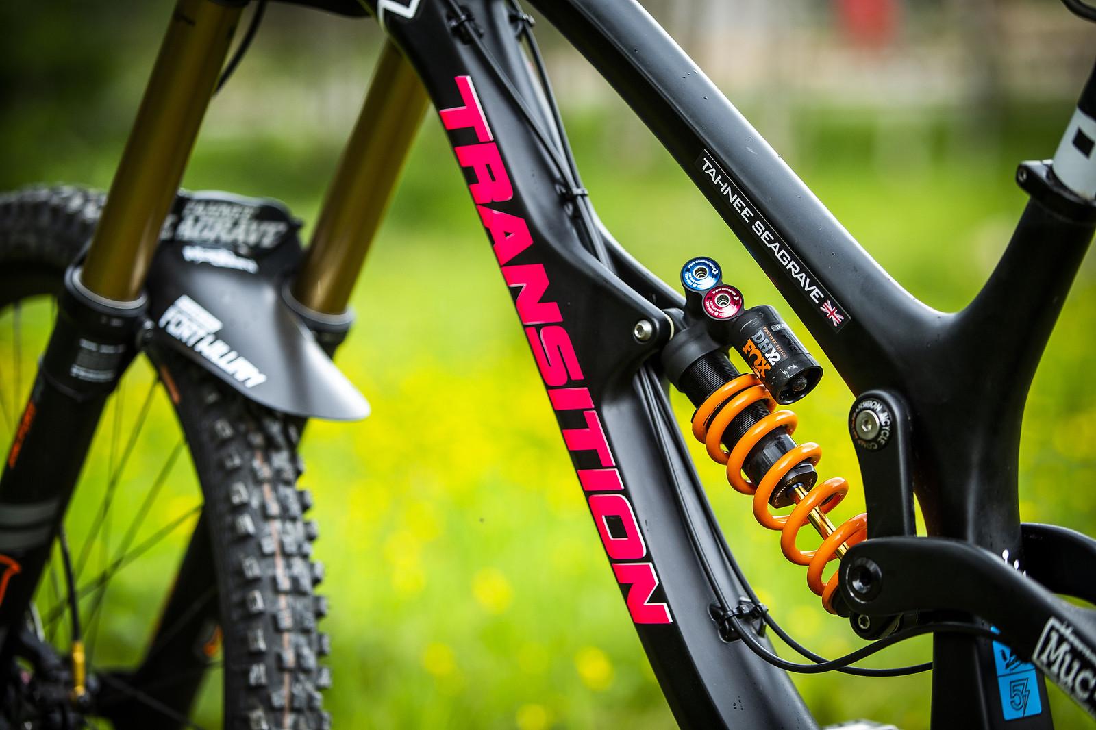 Clean lines - WINNING BIKE - Tahnee Seagrave's Transition TR11 - Mountain Biking Pictures - Vital MTB