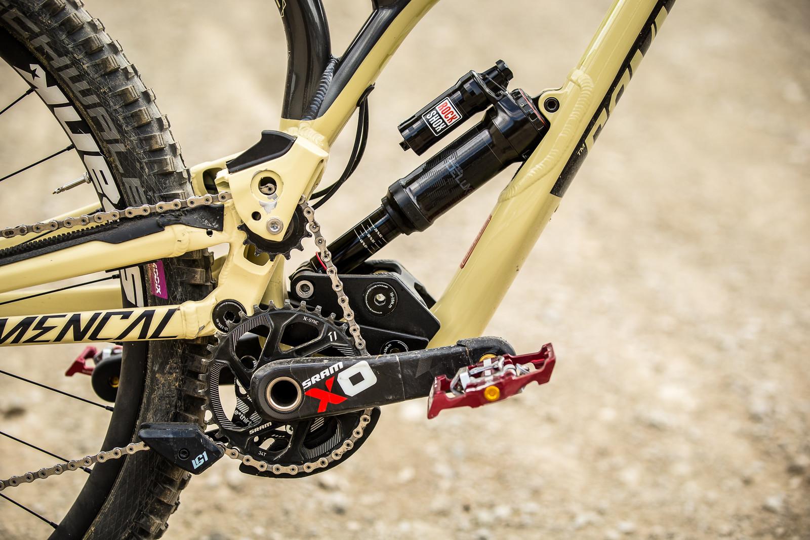 High-Pivot FTW - WINNING BIKE - Amaury Pierron's Commencal Supreme DH 29 - Mountain Biking Pictures - Vital MTB
