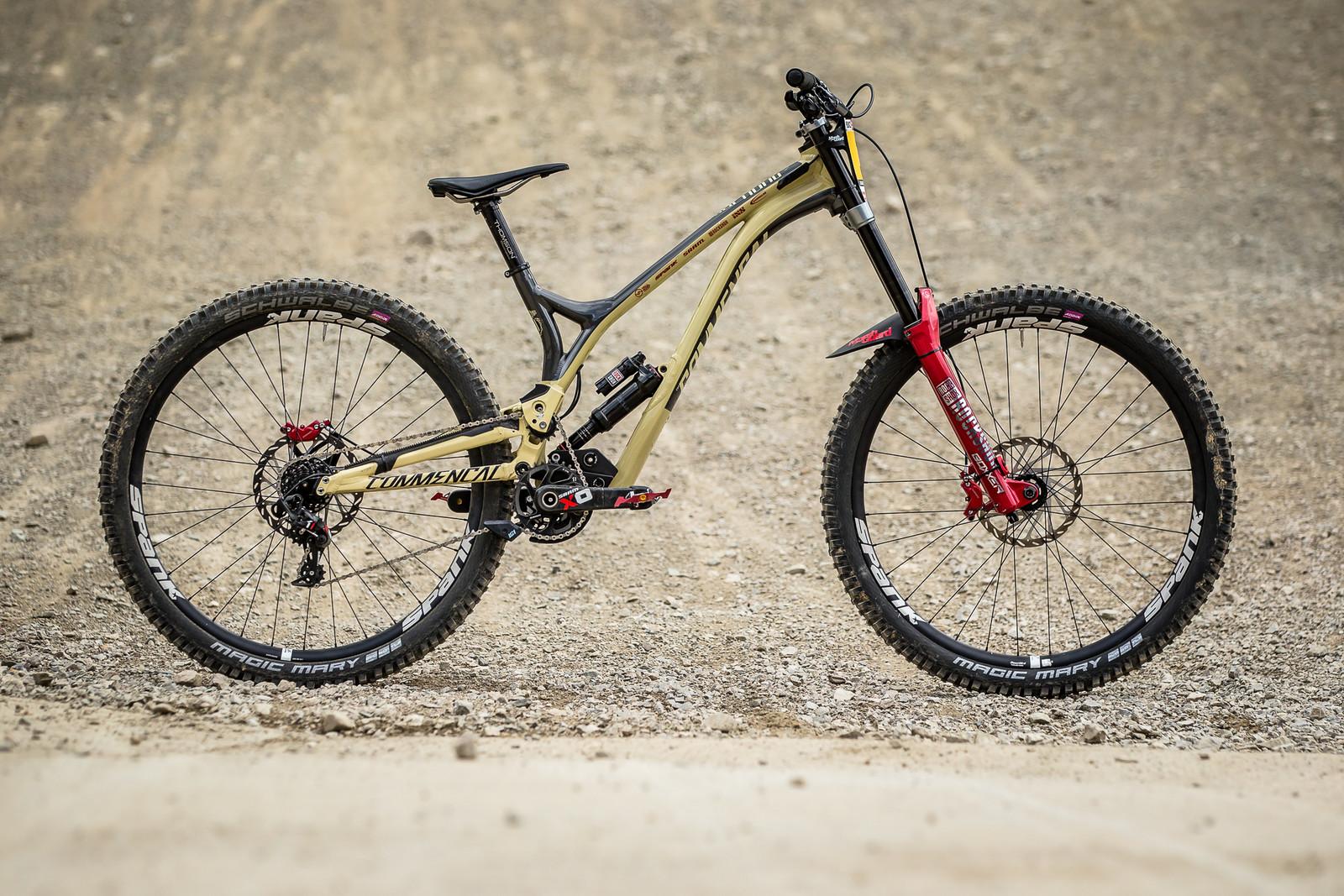 WINNING BIKE - Amaury Pierron's Commencal Supreme DH 29 - WINNING BIKE - Amaury Pierron's Commencal Supreme DH 29 - Mountain Biking Pictures - Vital MTB
