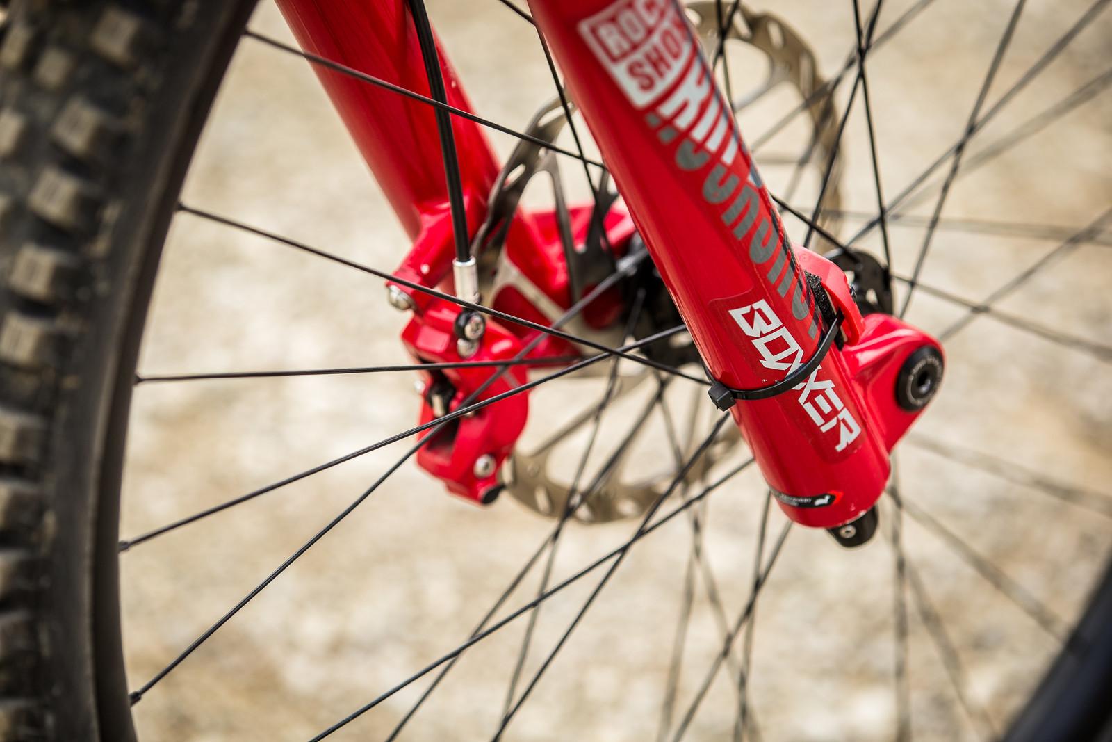 RockShox BoXXer 29 - WINNING BIKE - Amaury Pierron's Commencal Supreme DH 29 - Mountain Biking Pictures - Vital MTB