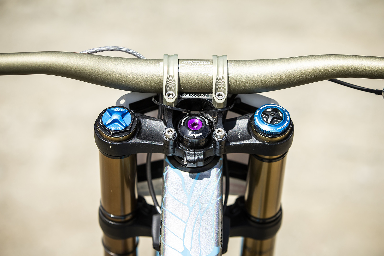 Cockpit - WINNING BIKE - Rachel Atherton's Trek Session - Mountain Biking Pictures - Vital MTB