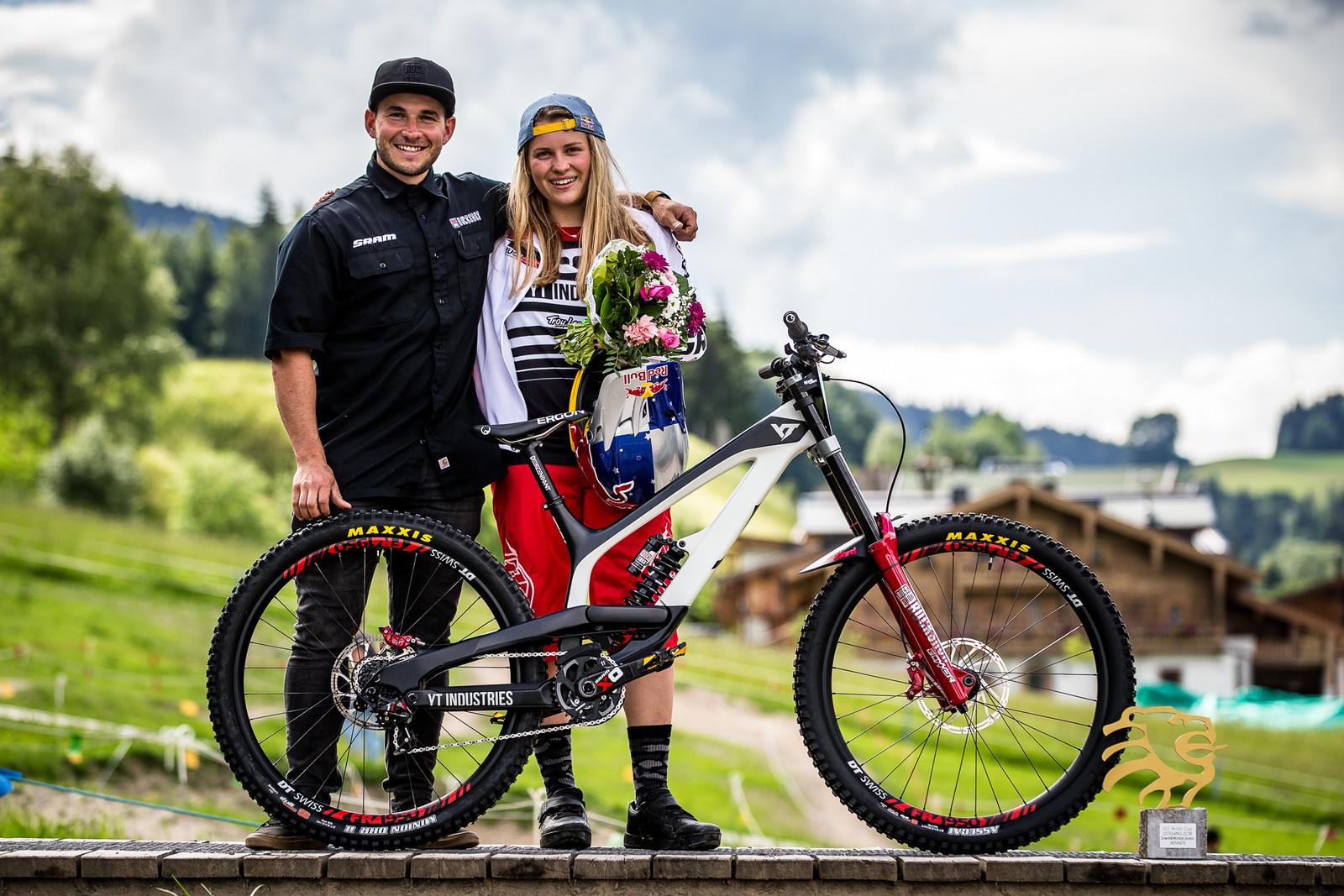 Congrats Vali and Mechanic, Mat Gallean! - WINNING BIKE - Vali Höll's YT TUES - Mountain Biking Pictures - Vital MTB
