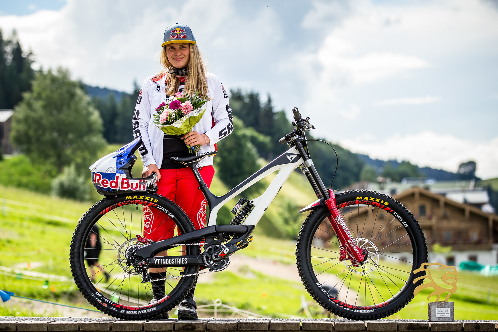 15-Second Victory in Leogang Today - WINNING BIKE - Vali Höll's YT TUES - Mountain Biking Pictures - Vital MTB