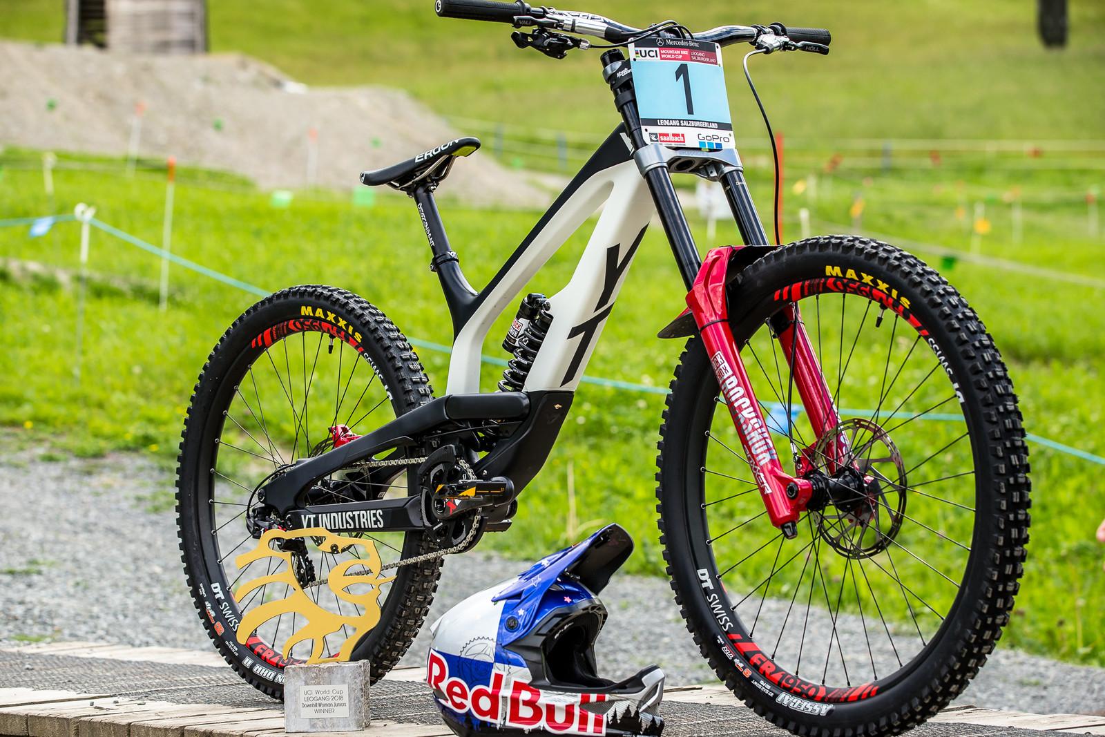 One Dialed Bike - WINNING BIKE - Vali Höll's YT TUES - Mountain Biking Pictures - Vital MTB