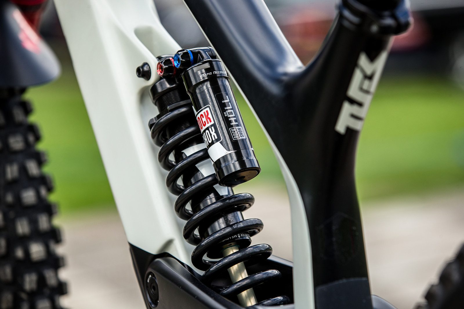 RockShox Vivid R2C Coil - WINNING BIKE - Vali Höll's YT TUES - Mountain Biking Pictures - Vital MTB
