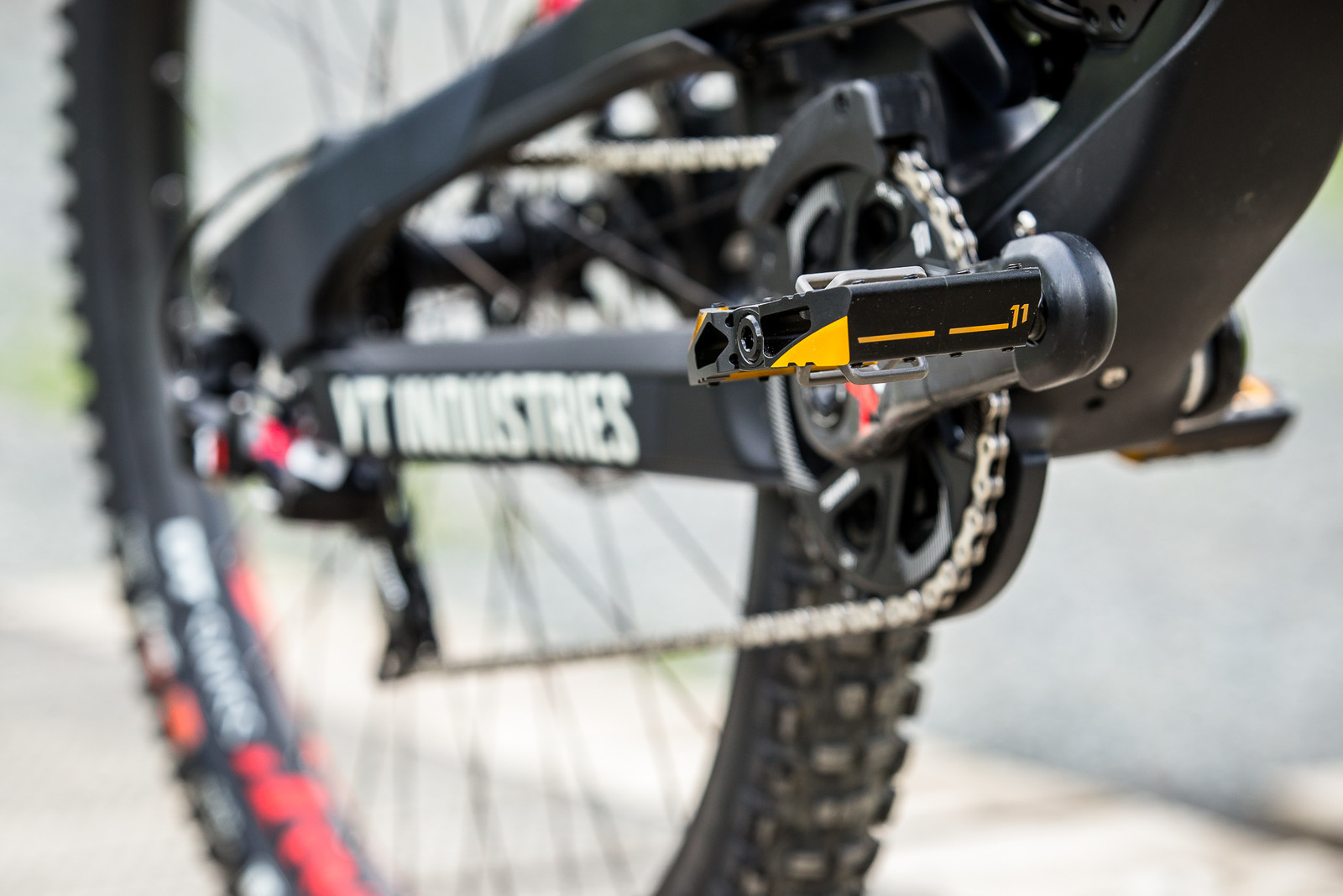 Crank Brothers Mallet DH Pedals - WINNING BIKE - Vali Höll's YT TUES - Mountain Biking Pictures - Vital MTB