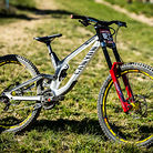 WINNING BIKE - Troy Brosnan's Canyon Sender