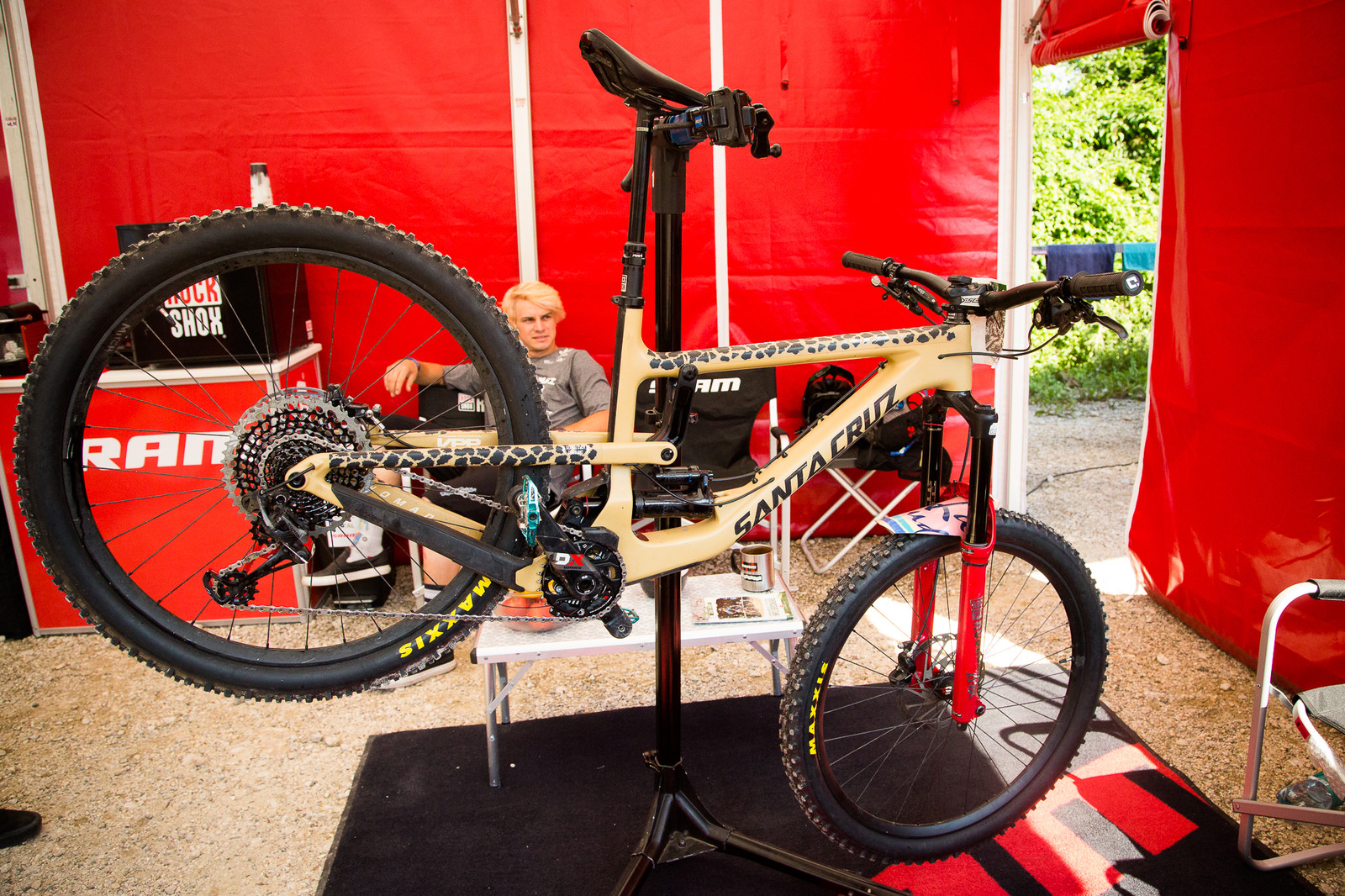 Mitch Ropelato's Santa Cruz Nomad - PIT BITS - Enduro World Series, Petzen - Mountain Biking Pictures - Vital MTB