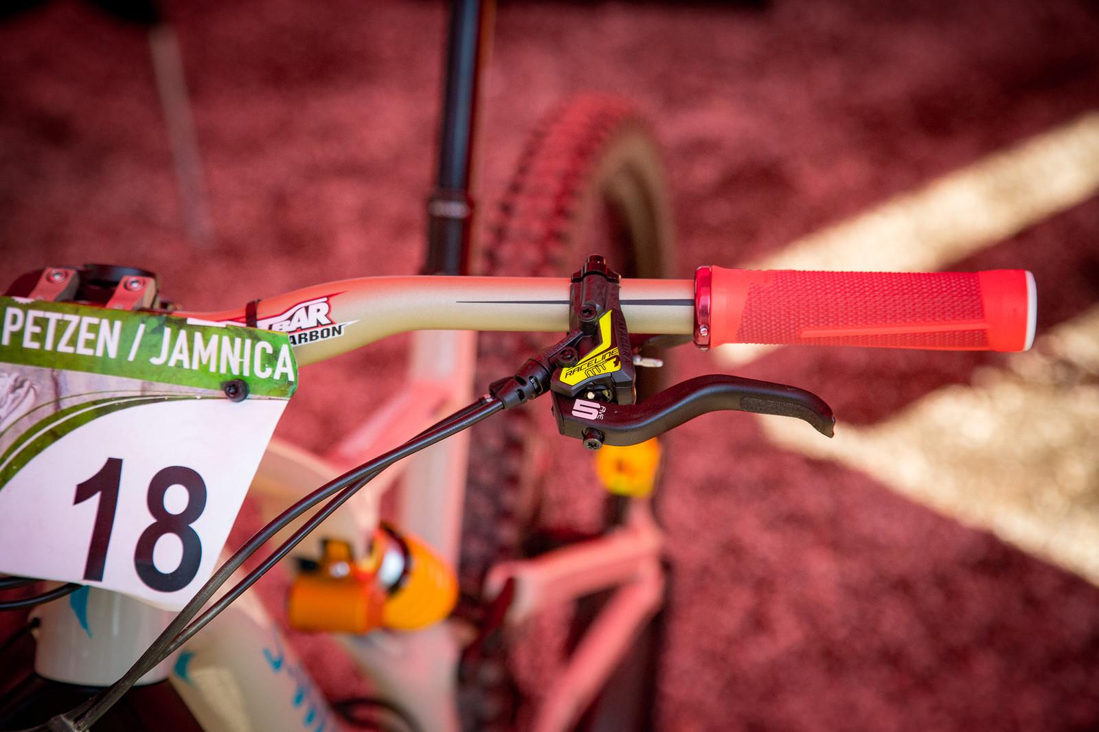 Gravy Grips - PIT BITS - Enduro World Series, Petzen - Mountain Biking Pictures - Vital MTB