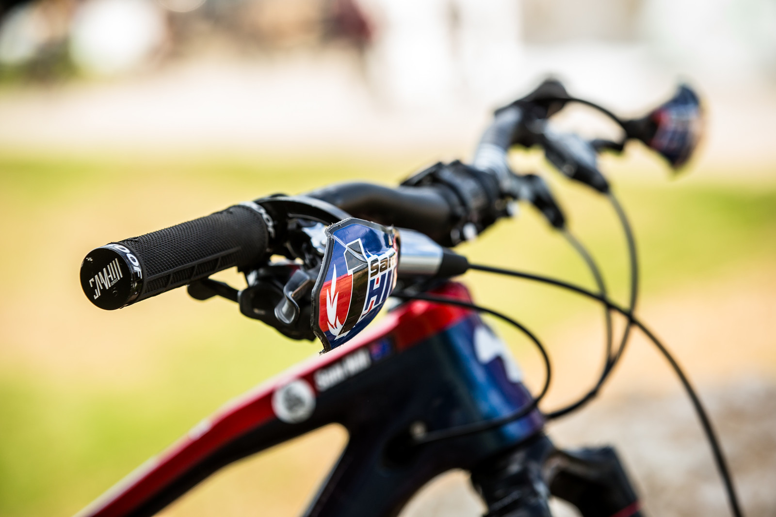 Extra Soft Semi-Throttle Compound Prototype Sam Hill Grips - WINNING BIKE - Sam Hill's Nukeproof Mega 275 - Mountain Biking Pictures - Vital MTB