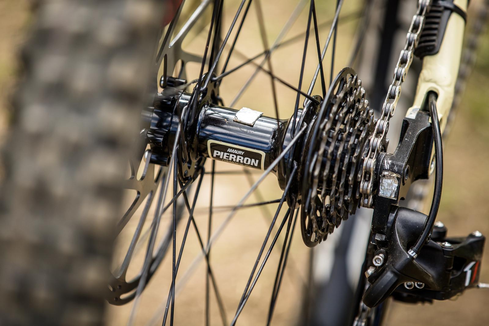 Gotcha - WINNING BIKE - Amaury Pierron's Commencal Supreme DH 29 - Mountain Biking Pictures - Vital MTB