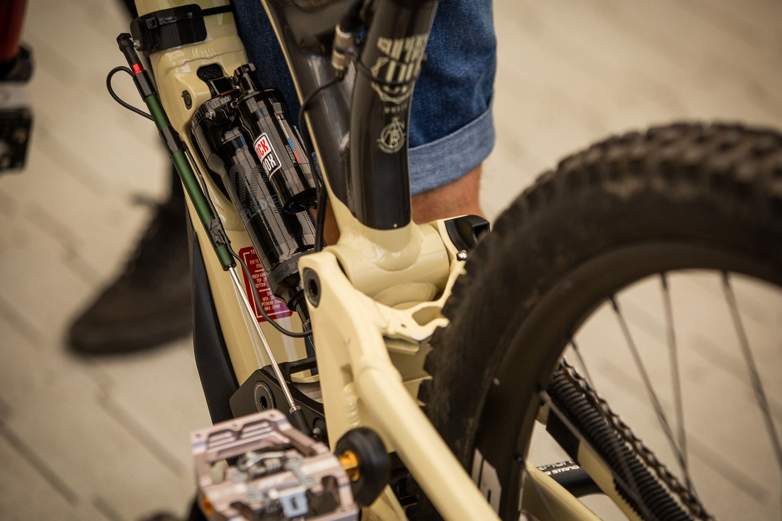 PIT BITS - Amaury Pierron's Data Acquisition - PIT BITS - Andorra World Cup Downhill - Mountain Biking Pictures - Vital MTB