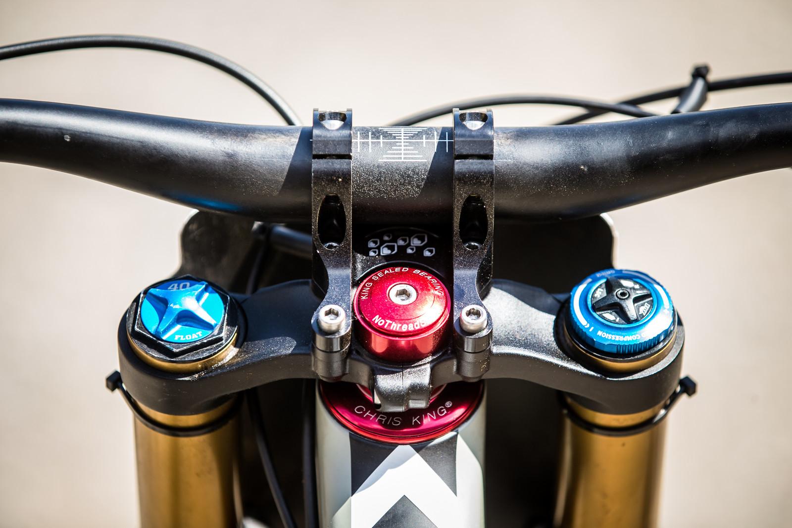 Burgtec Direct-Mount Stem - WINNING BIKE - Loris Vergier's Santa Cruz V10cc 29 - Mountain Biking Pictures - Vital MTB