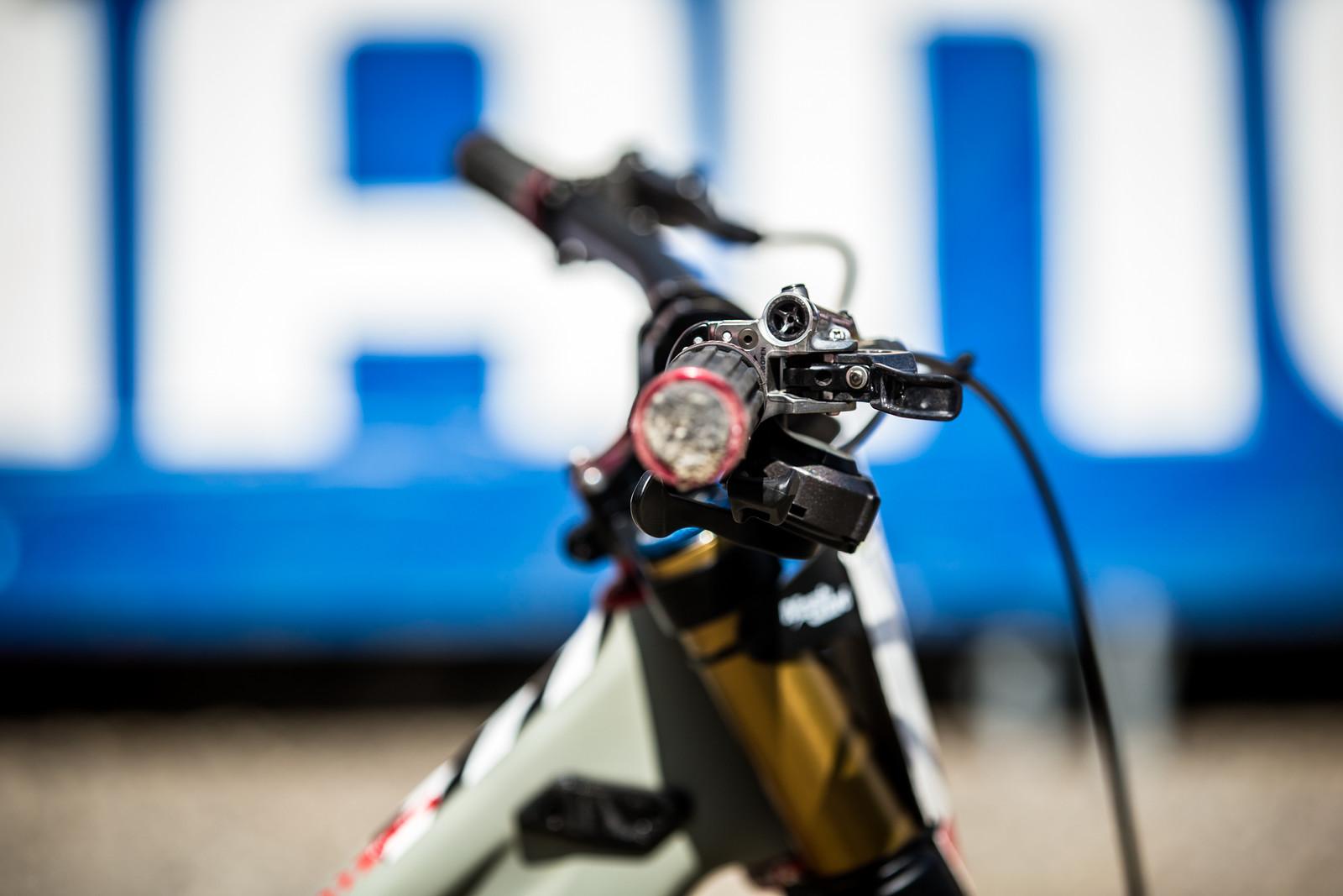Look at the Levers - WINNING BIKE - Loris Vergier's Santa Cruz V10cc 29 - Mountain Biking Pictures - Vital MTB