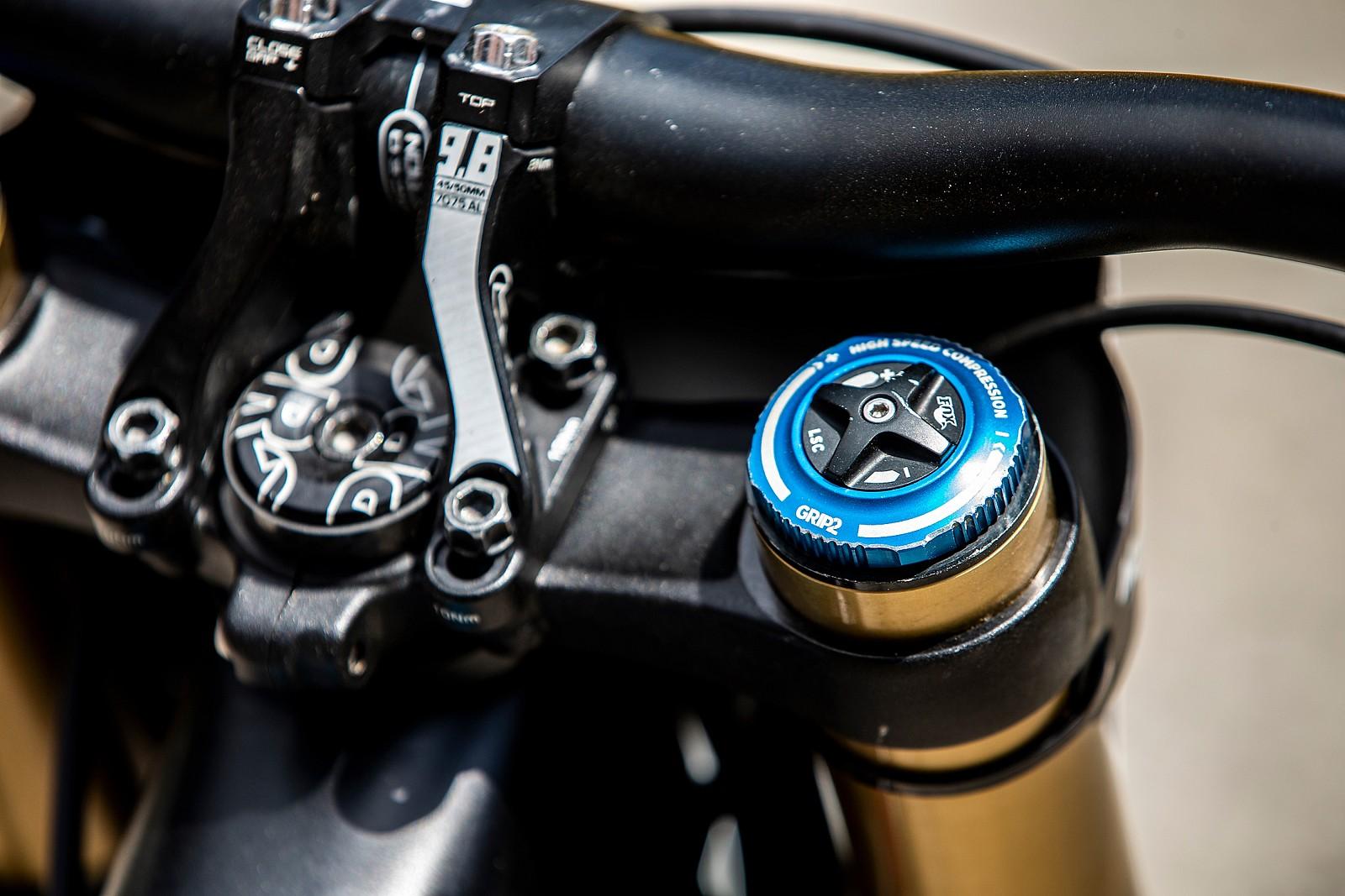 FOX Grip 2 Damper - WINNING BIKE - Tahnee Seagrave's Transition TR11 - Mountain Biking Pictures - Vital MTB
