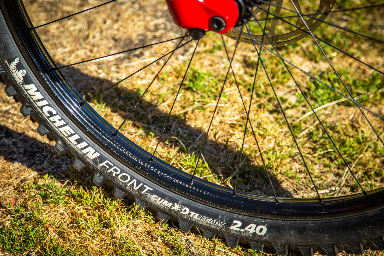 Jerome's unbranded, raw carbon rims - PIT BITS - Enduro World Series, La Thuile - Mountain Biking Pictures - Vital MTB