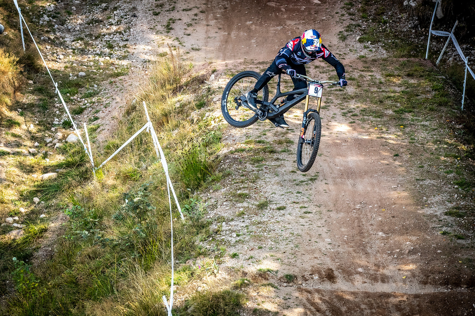 Gwin on His YT 29er - PIT BITS - La Bresse World Cup Downhill - Mountain Biking Pictures - Vital MTB