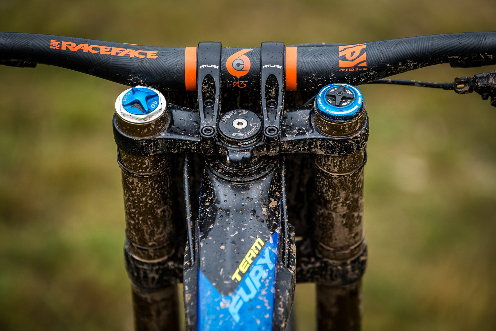 Race Face SixC Bar and Atlas DM Stem - WINNING BIKE - Martin Maes' GT Fury - Mountain Biking Pictures - Vital MTB