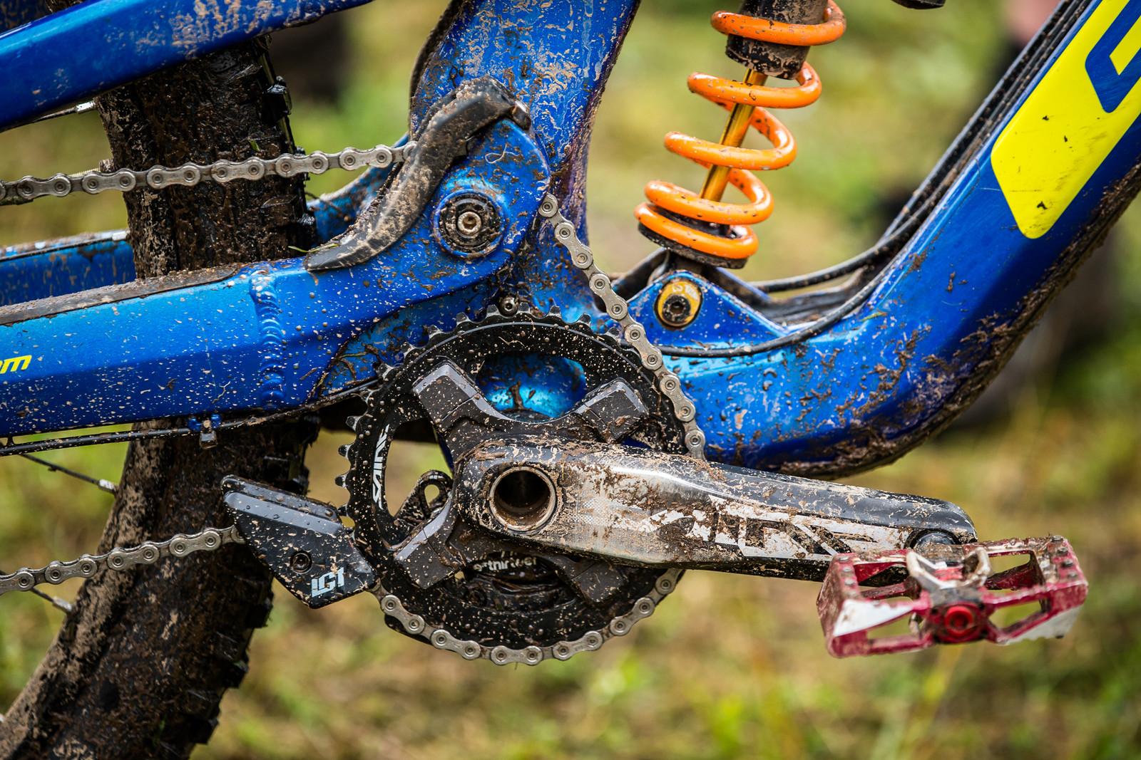 Shimano Saint Cranks - WINNING BIKE - Martin Maes' GT Fury - Mountain Biking Pictures - Vital MTB