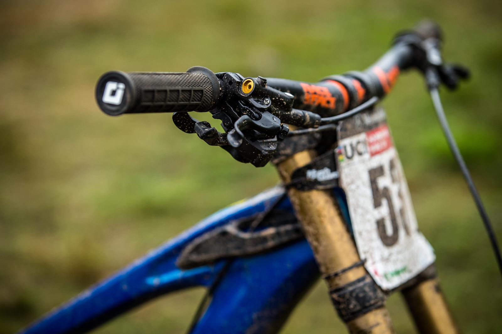 Shimano Saint Brake Levers - WINNING BIKE - Martin Maes' GT Fury - Mountain Biking Pictures - Vital MTB
