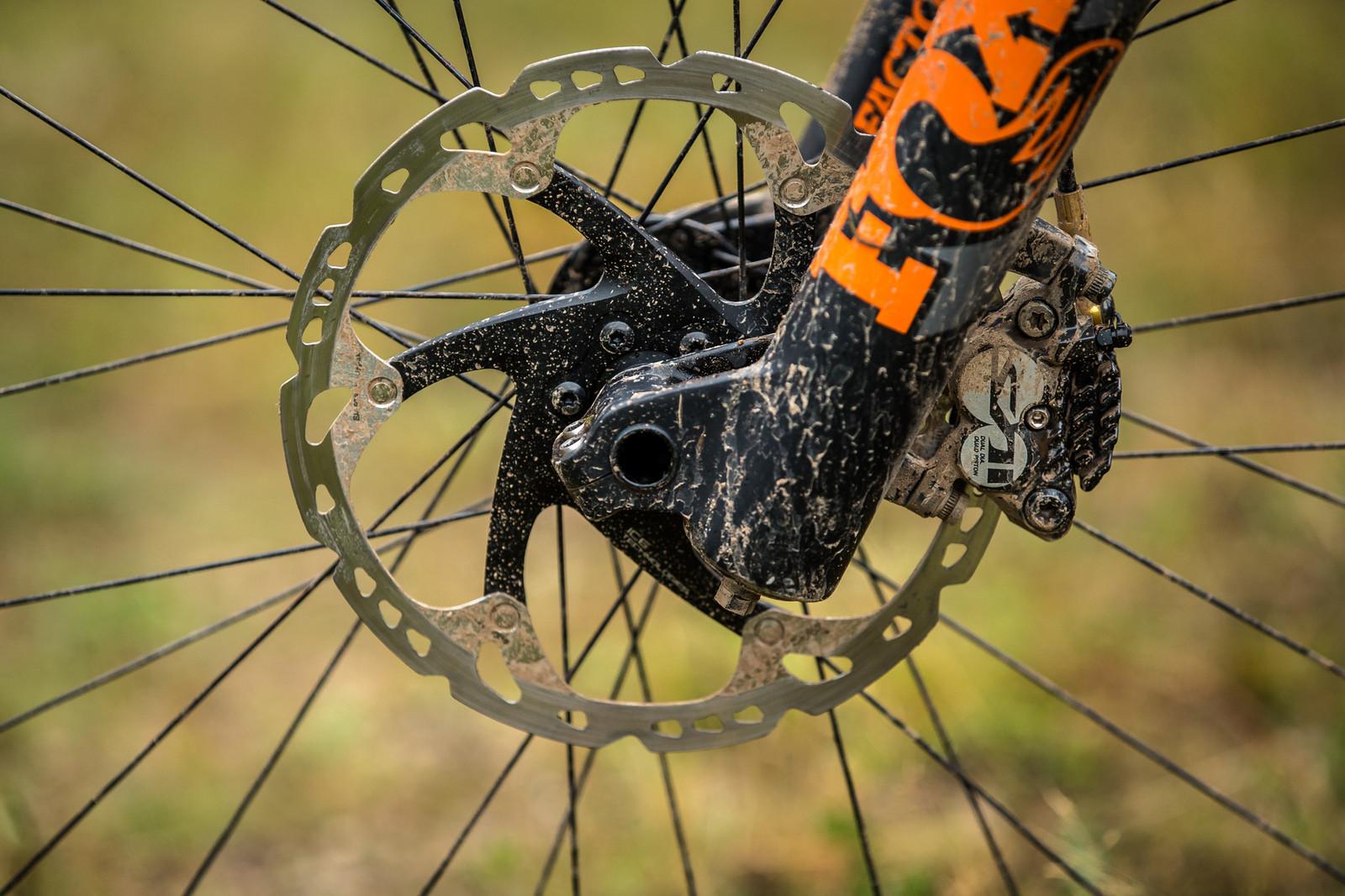 Shimano Saint Brakes, FOX 40 - WINNING BIKE - Martin Maes' GT Fury - Mountain Biking Pictures - Vital MTB