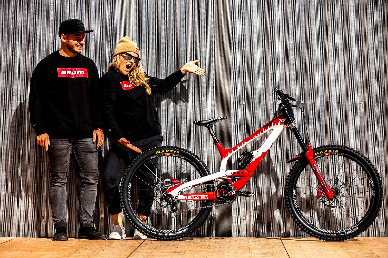 Vali and Matt with the World Champs Bike - WORLD CHAMPS BIKE - Vali Holl's YT TUES - Mountain Biking Pictures - Vital MTB