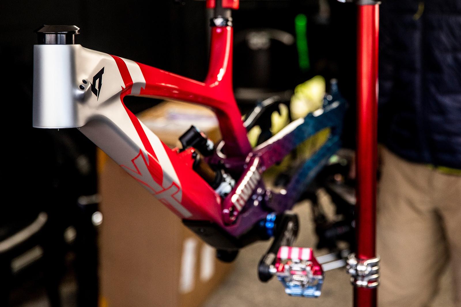 PIT BITS - WORLD CHAMPS - Aaron Gwin's YT Frame - PIT BITS - WORLD CHAMPS, Lenzerheide - Mountain Biking Pictures - Vital MTB