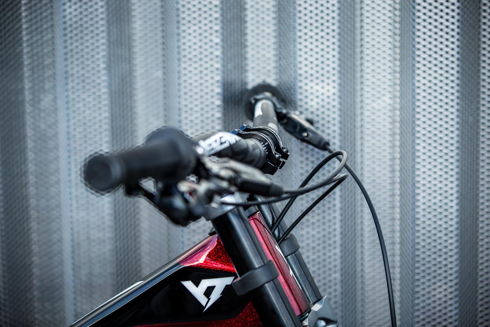 Descendant DM Stem - WORLD CHAMPS BIKES - Erik Irmisch's YT TUES - Mountain Biking Pictures - Vital MTB
