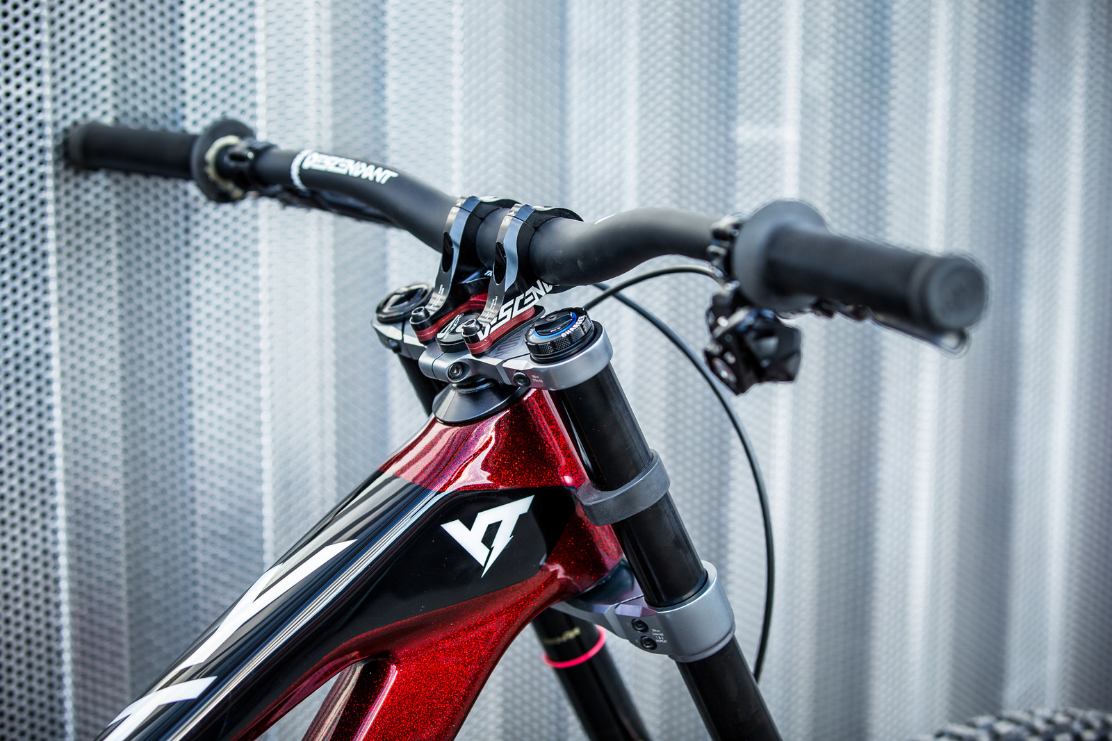 Those Red Spacers are Rad - WORLD CHAMPS BIKES - Erik Irmisch's YT TUES - Mountain Biking Pictures - Vital MTB