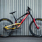 WORLD CHAMPS BIKES - Erik Irmisch's YT TUES