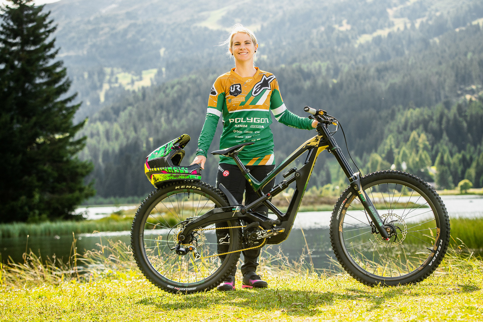 GET 'EM TRACEY! - WORLD CHAMPS BIKES - Mick & Tracey Hannah's Polygons - Mountain Biking Pictures - Vital MTB