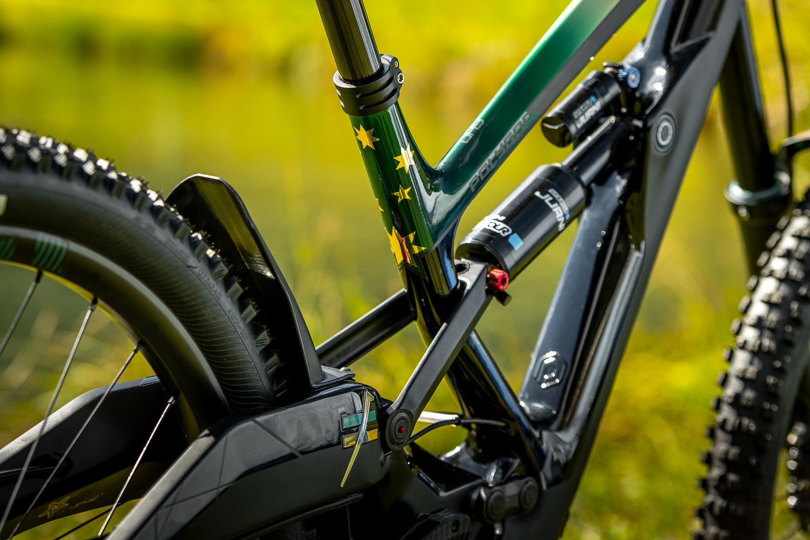 Aussie Colors - WORLD CHAMPS BIKES - Mick & Tracey Hannah's Polygons - Mountain Biking Pictures - Vital MTB