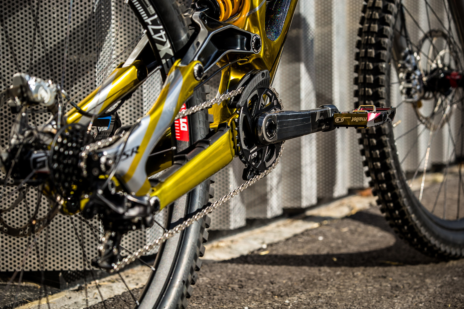 Power Center - WORLD CHAMPS BIKE - Loic Bruni's Specialized Demo - Mountain Biking Pictures - Vital MTB