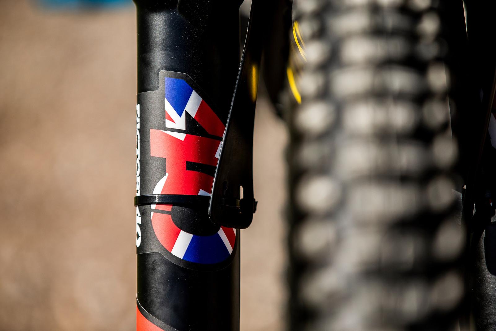 Details - WORLD CHAMPS BIKE - Danny Hart's Saracen Myst - Mountain Biking Pictures - Vital MTB