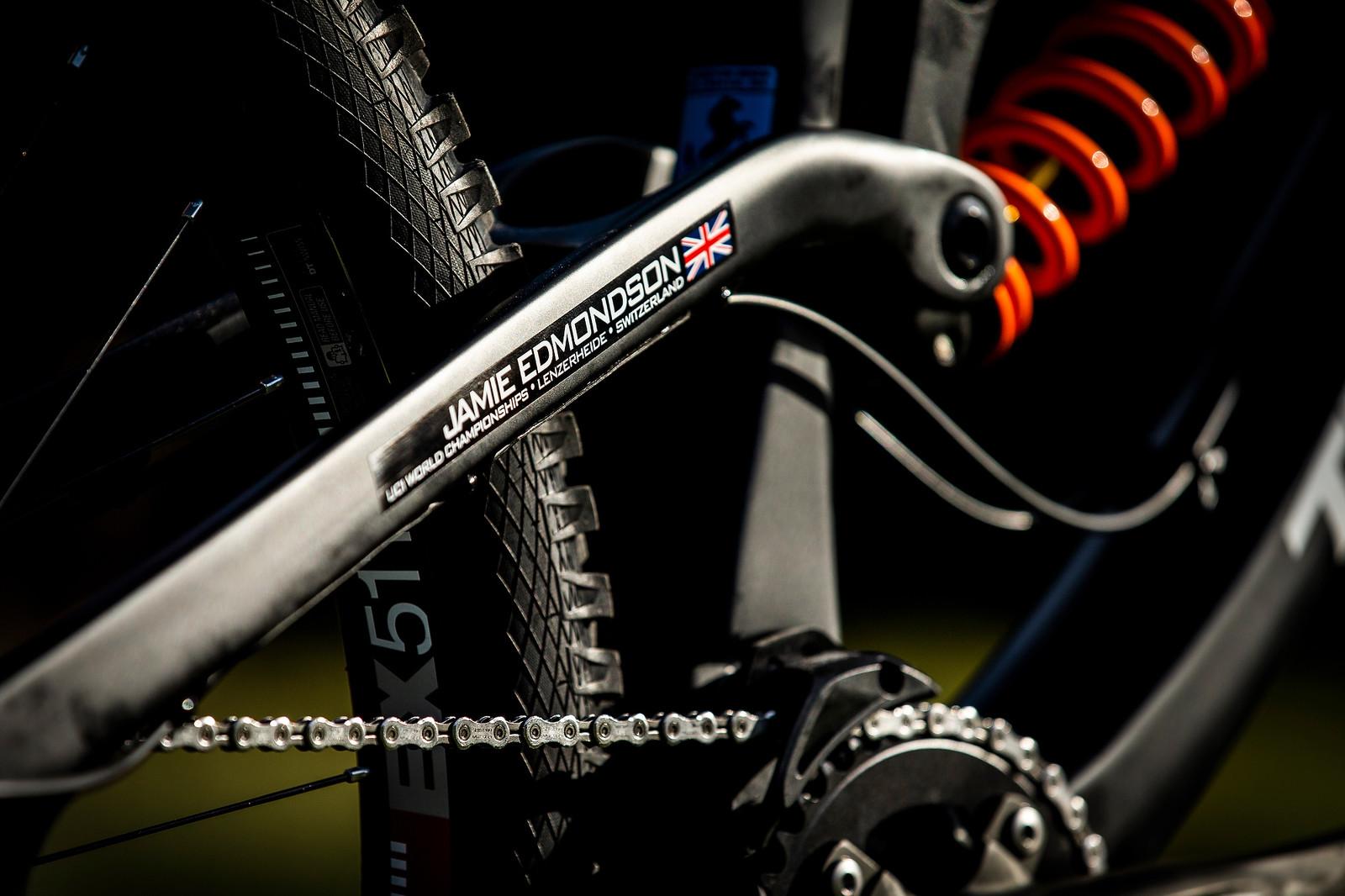 Your Name in Neon - WORLD CHAMPS BIKE - Jamie Edmondson's Transition TR11 - Mountain Biking Pictures - Vital MTB