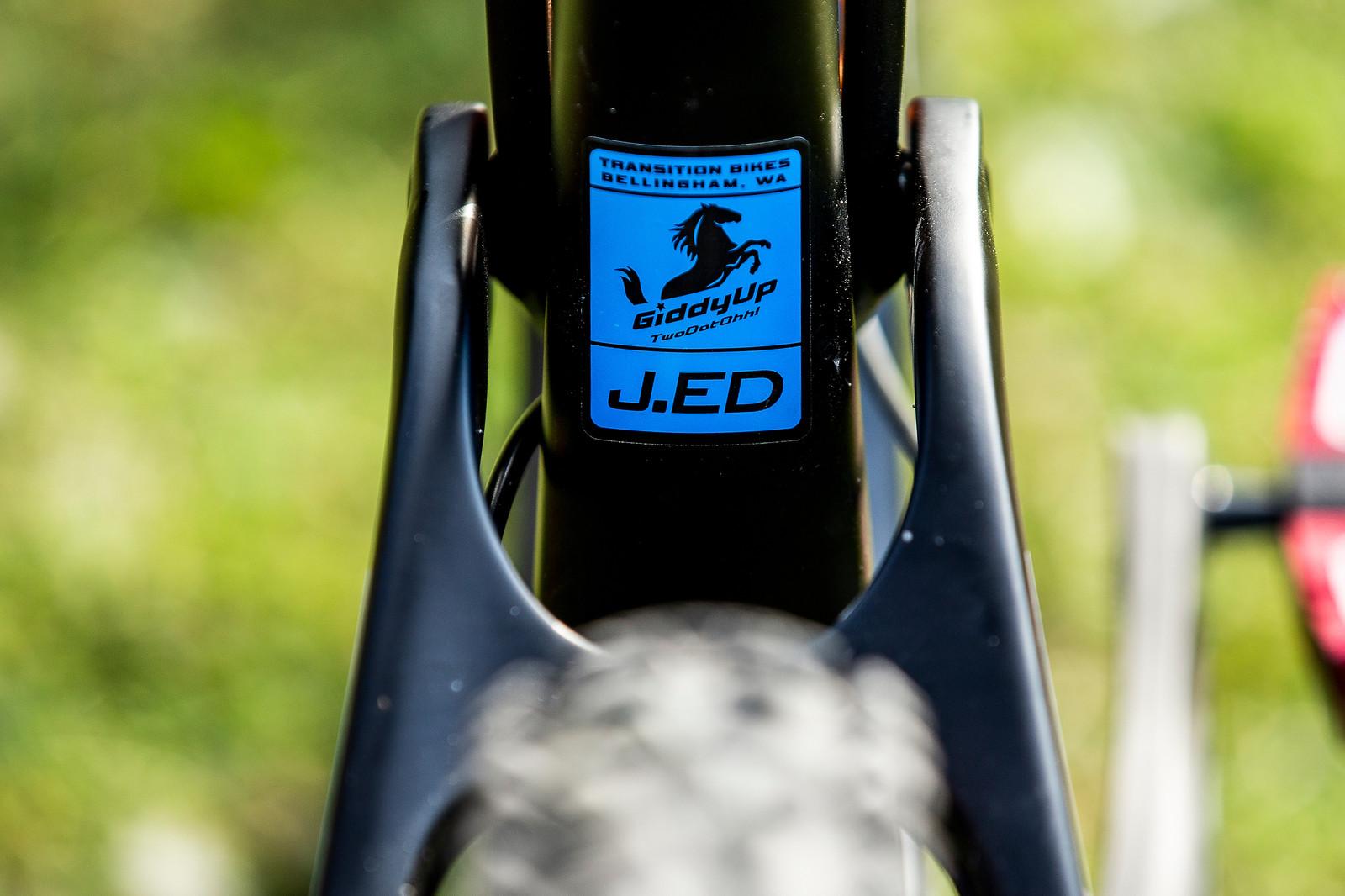 Giddy Up! - WORLD CHAMPS BIKE - Jamie Edmondson's Transition TR11 - Mountain Biking Pictures - Vital MTB