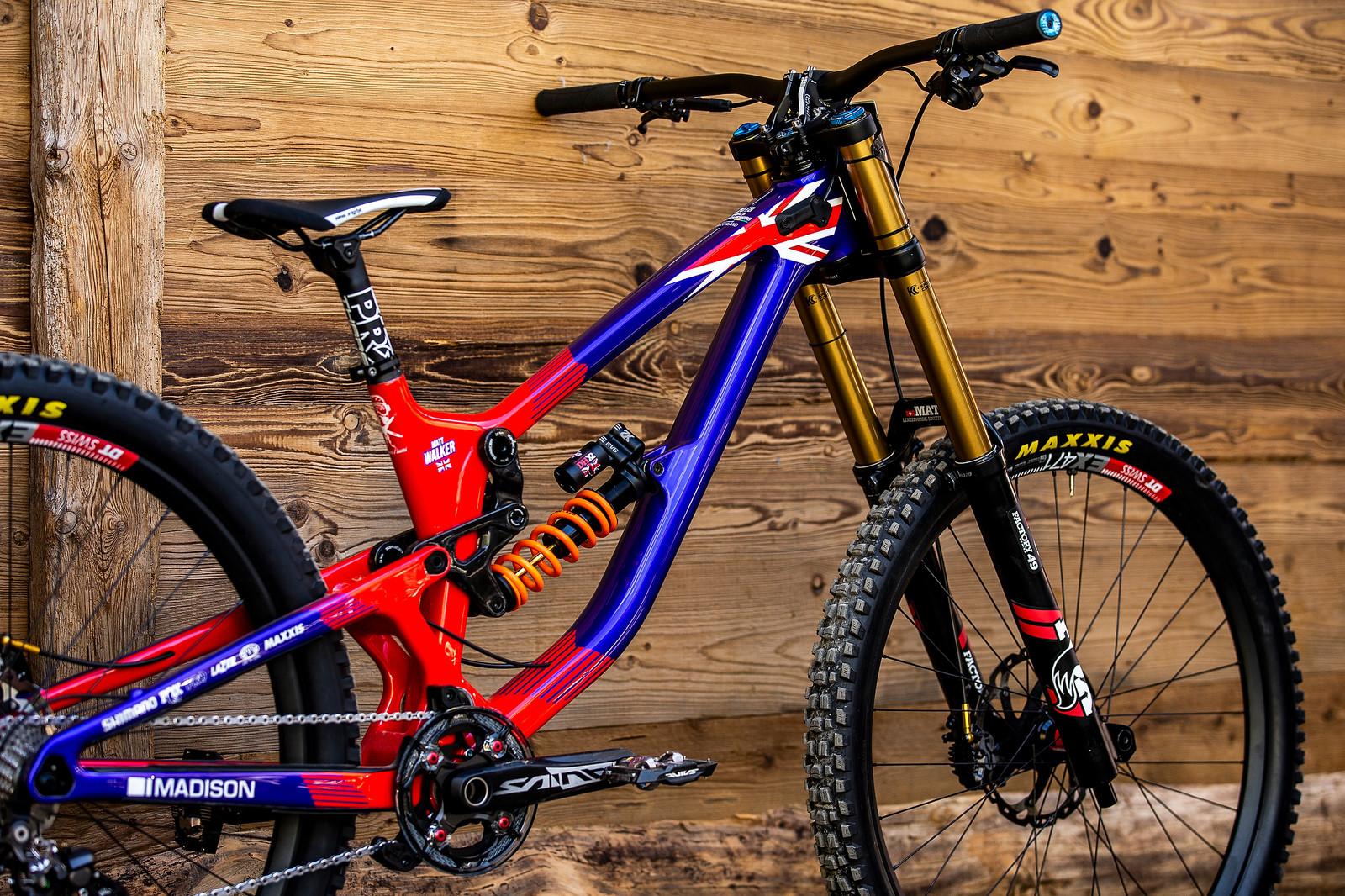 Clean Lines - WORLD CHAMPS BIKE - Matt Walker's Saracen Myst - Mountain Biking Pictures - Vital MTB