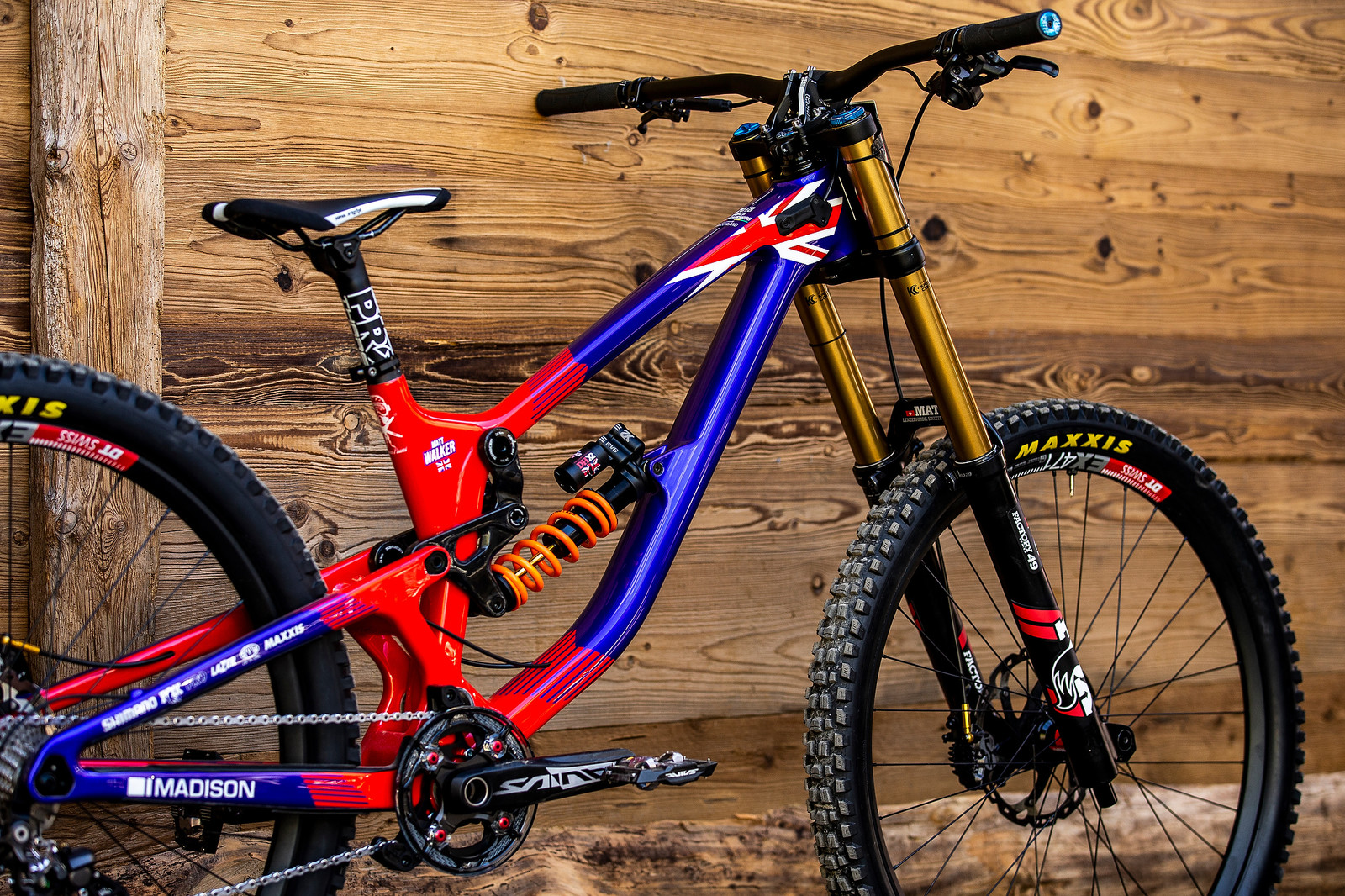 Clean Lines - WORLD CHAMPS BIKE - Matt Walker's Saracen Myst - Mountain Biking Pictures - Vital MTB