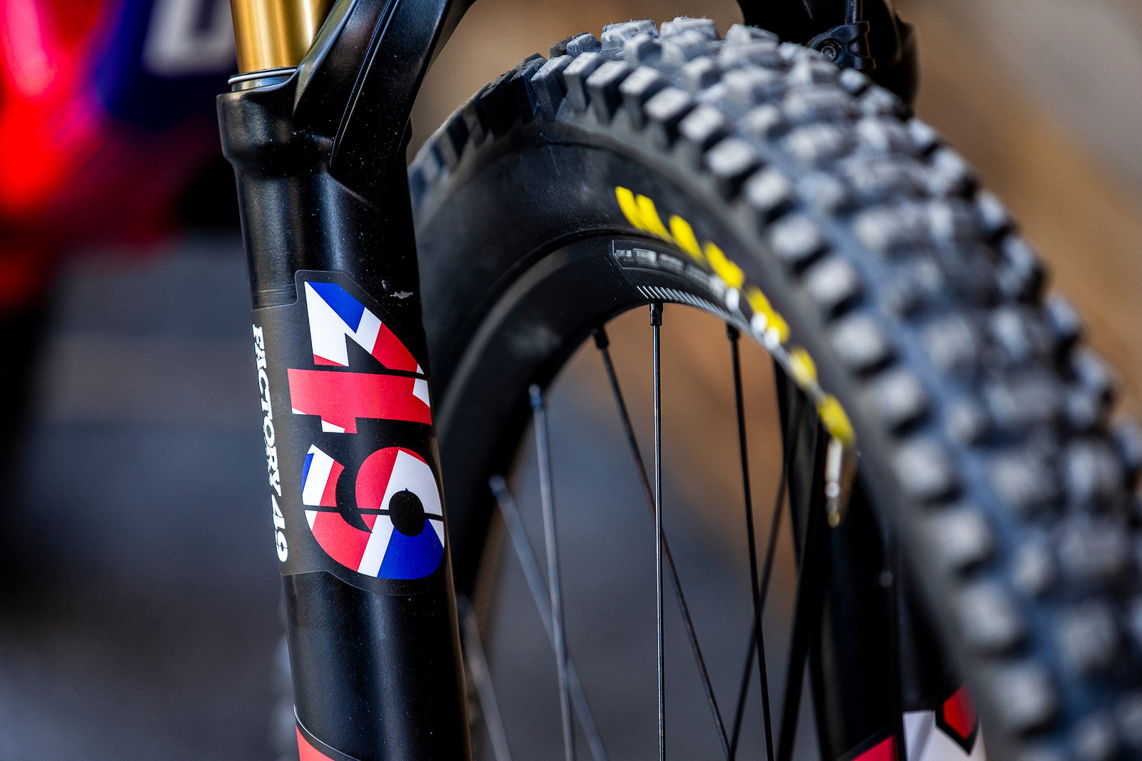 FOX 49 Fork - WORLD CHAMPS BIKE - Matt Walker's Saracen Myst - Mountain Biking Pictures - Vital MTB