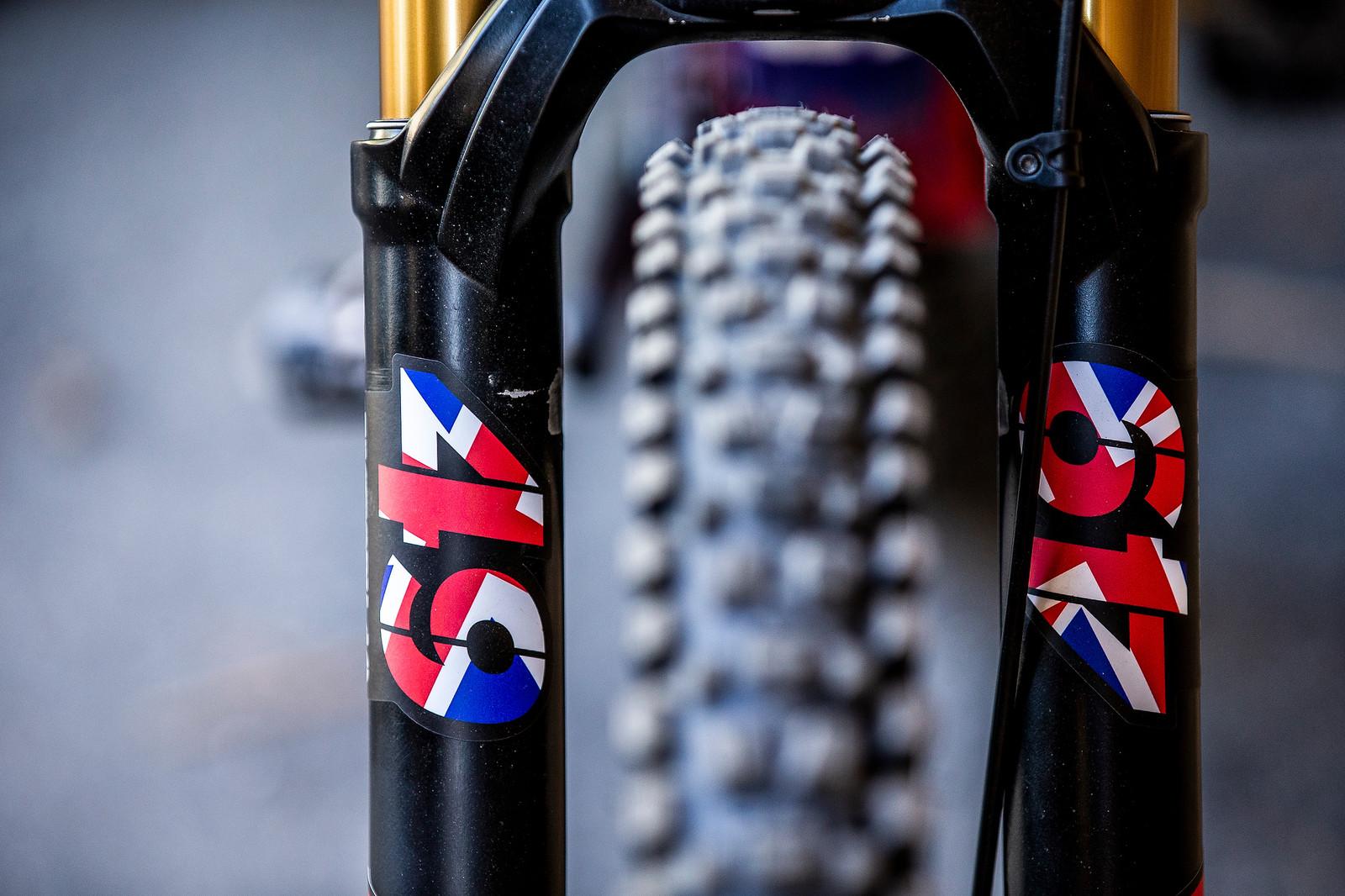 Custom Stickers - WORLD CHAMPS BIKE - Matt Walker's Saracen Myst - Mountain Biking Pictures - Vital MTB
