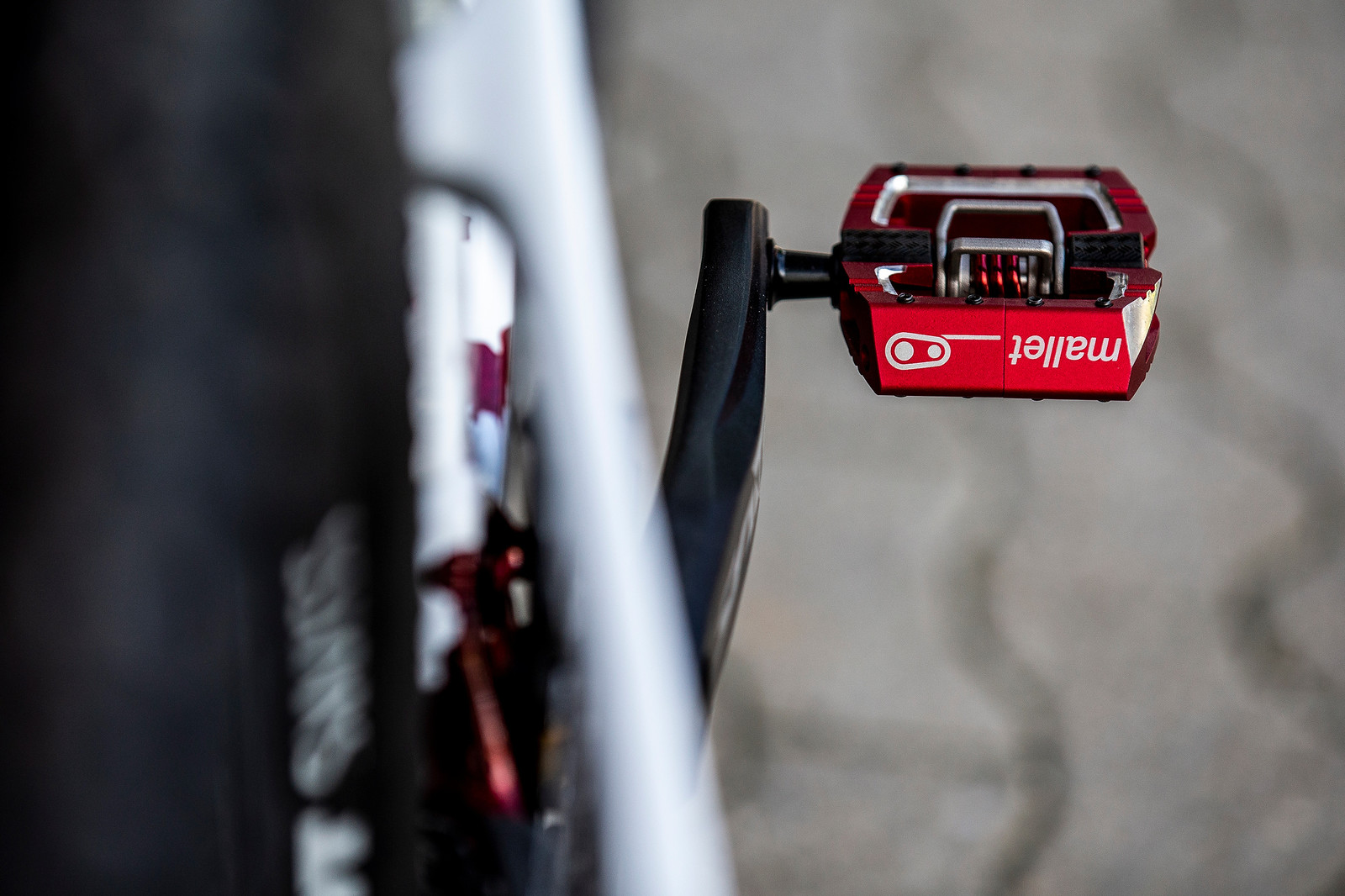 Crankbrothers Mallets - WORLD CHAMPS BIKE - Tahnee Seagrave's Transition TR11 - Mountain Biking Pictures - Vital MTB